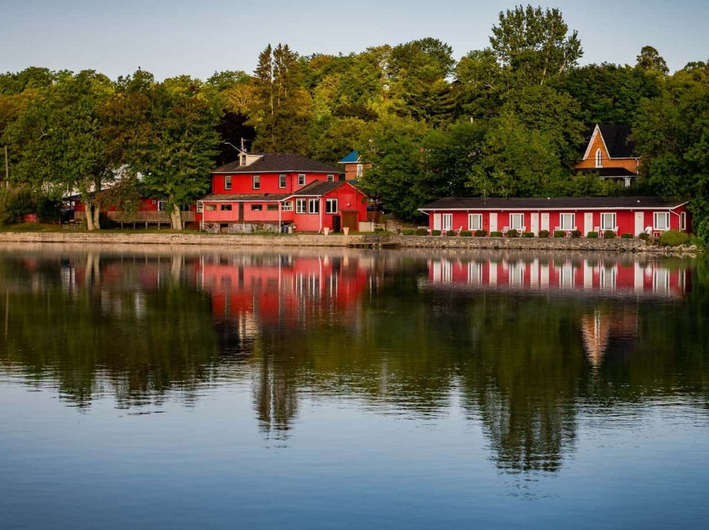 Waters Edge Inn Water side Photo in Campbellford Trent Hills Ontario